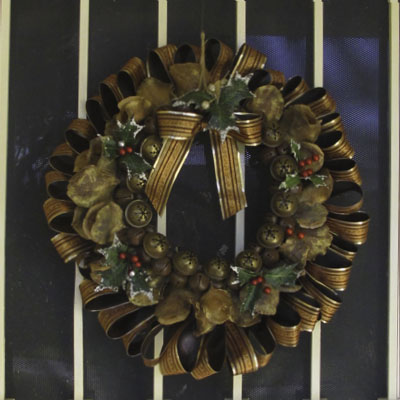 Cheap Christmas Wreath: from Puny to Grand
